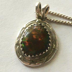"""Red Ammolite Pendant in 925 Silver on 16"""" SS Chain"""